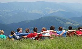• Lista cu studenţii care au solicitat un loc într-o tabără pe perioada vacanţei de vară 2017.