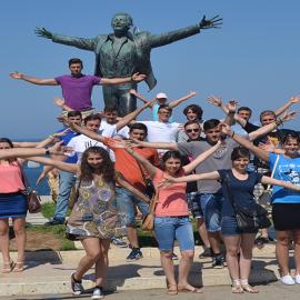 • Lista cu studenţii care au solicitat un loc într-o tabără pe perioada vacanţei de vară 2018.